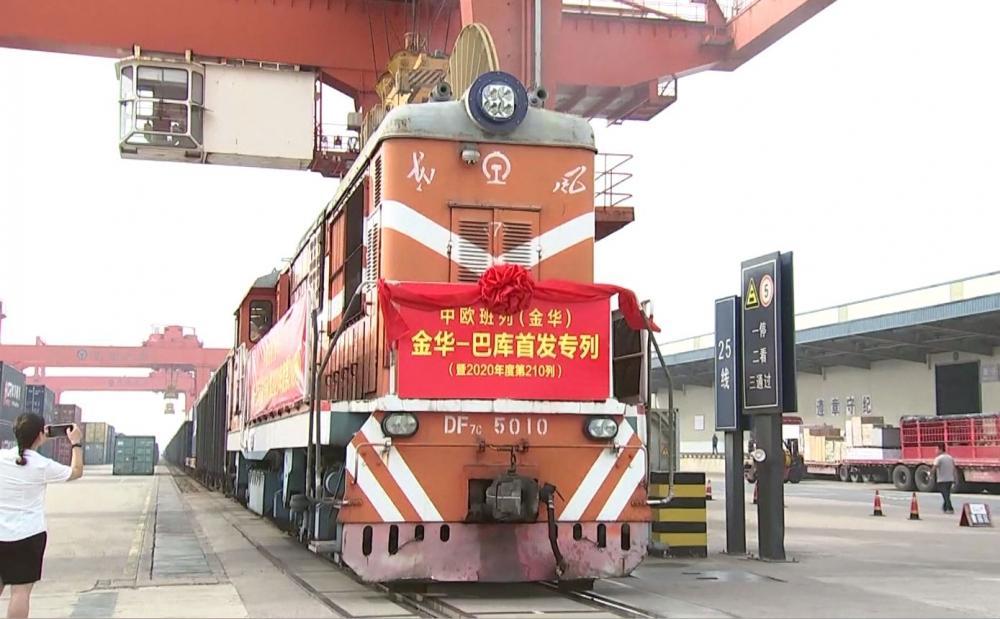 Čína zahajuje přes Ázerbajdžán novou trasu do Evropy pro nákladní vlaky
