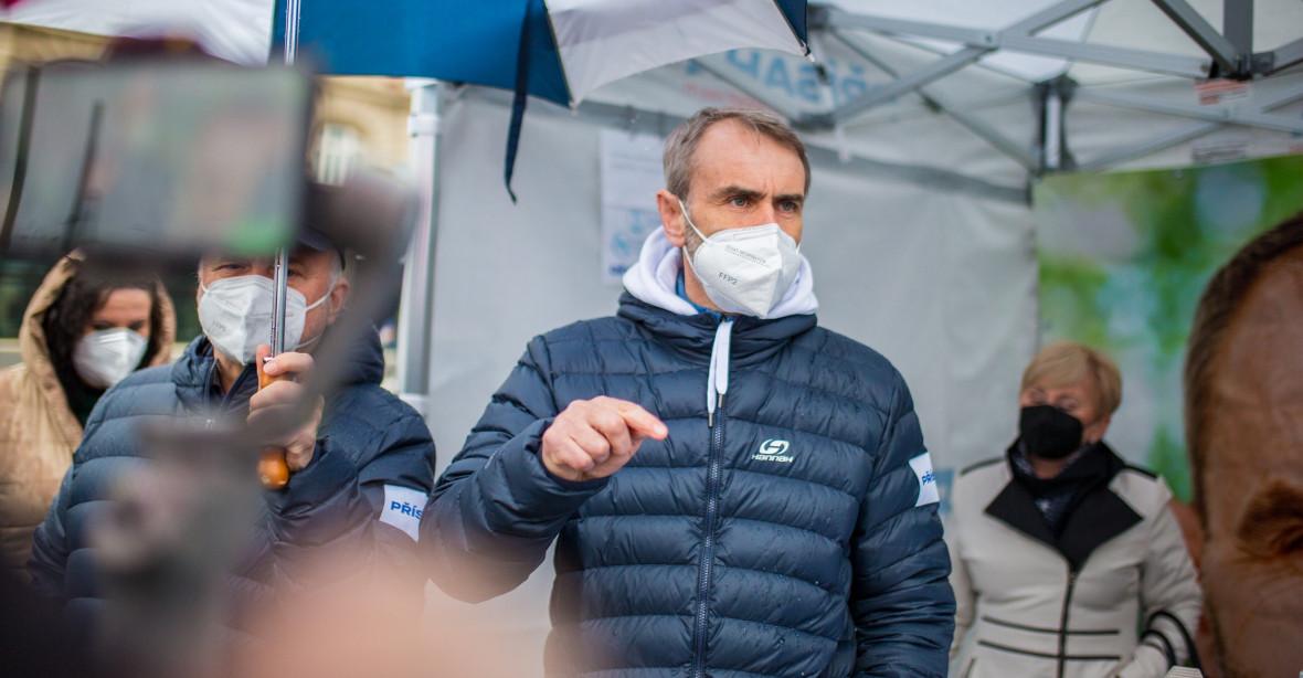 Robert Šlachta na jedné z tiskových konferencí hnutí Přísaha. Foto: Hnutí Přísaha