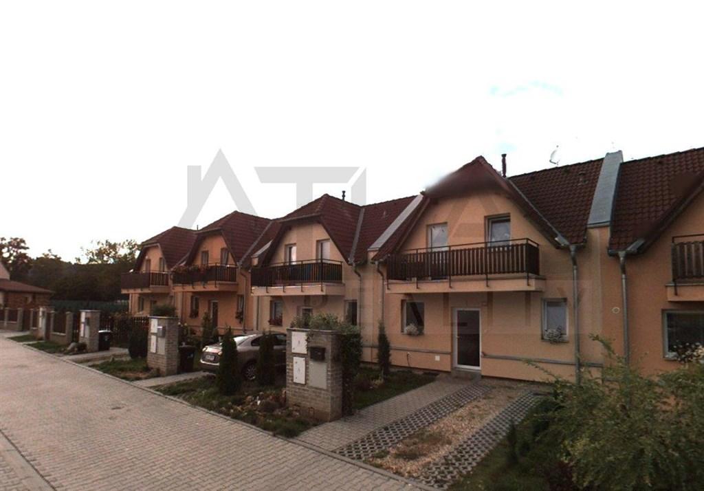 Pronájem rodinného domu 3+kk, 126 m2 Nučice Praha - západ