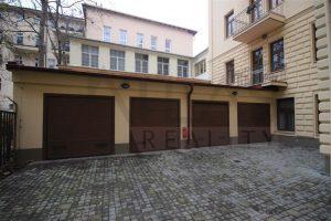 Pronájem kompletně zařízené garsonky s parkováním Praha 2 - Vinohrady, Máchova ulice
