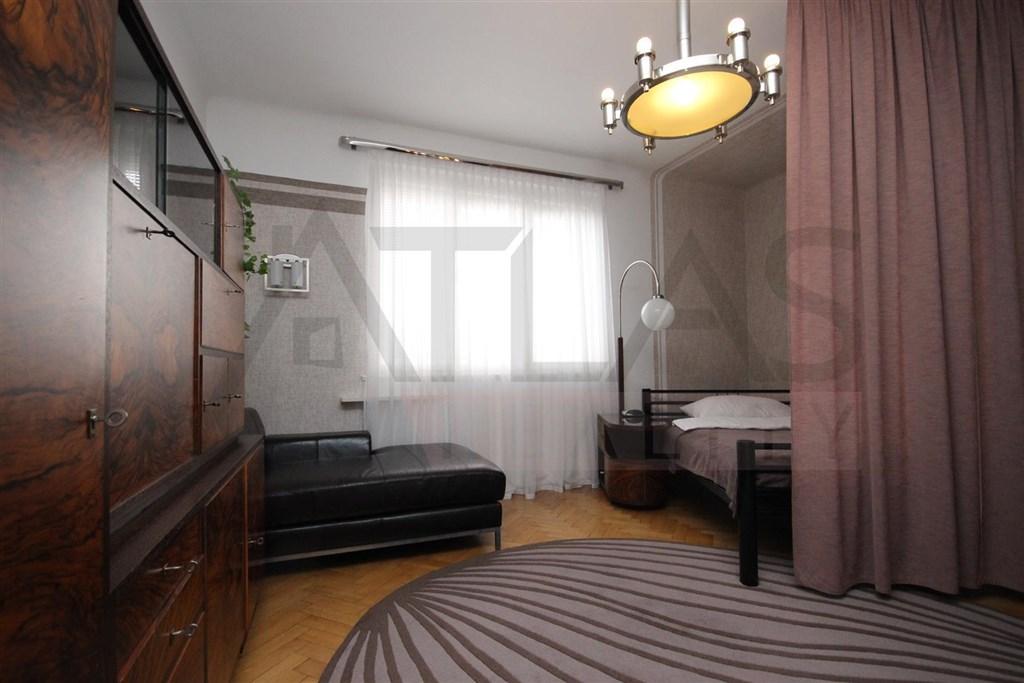 Pronájem zařízeného bytu 2+kk, 50 Praha 6 - Vokovice, Kladenská ul.
