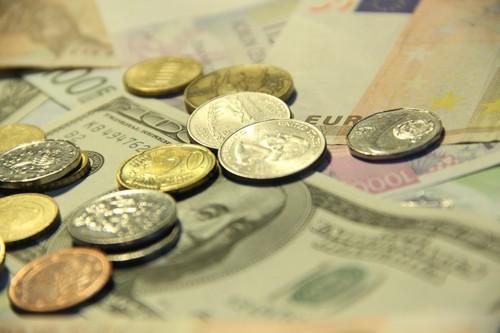 lient se zavazuje uhradit Věřiteli poplatek za poskytnutí Zápůjčky